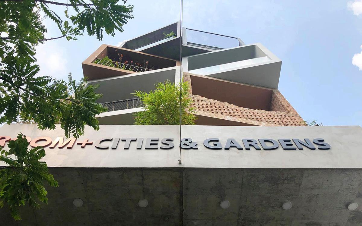 Nhà Sài Gòn lên mỗi tầng như đi du lịch nước khác - VnExpress