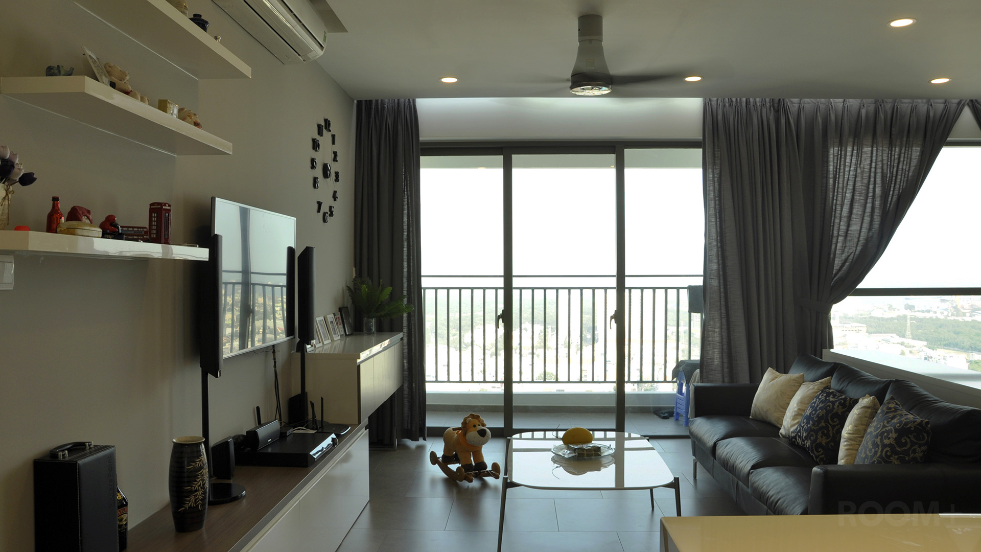 Open-plan Apartment