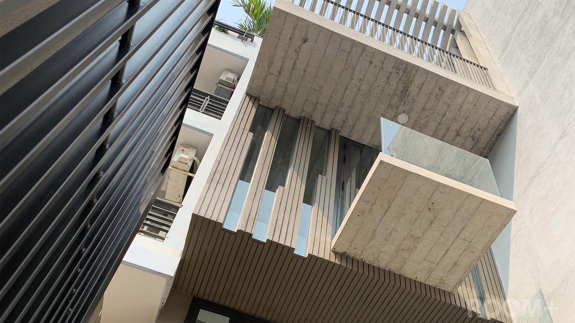 Stacking Overhangs Building