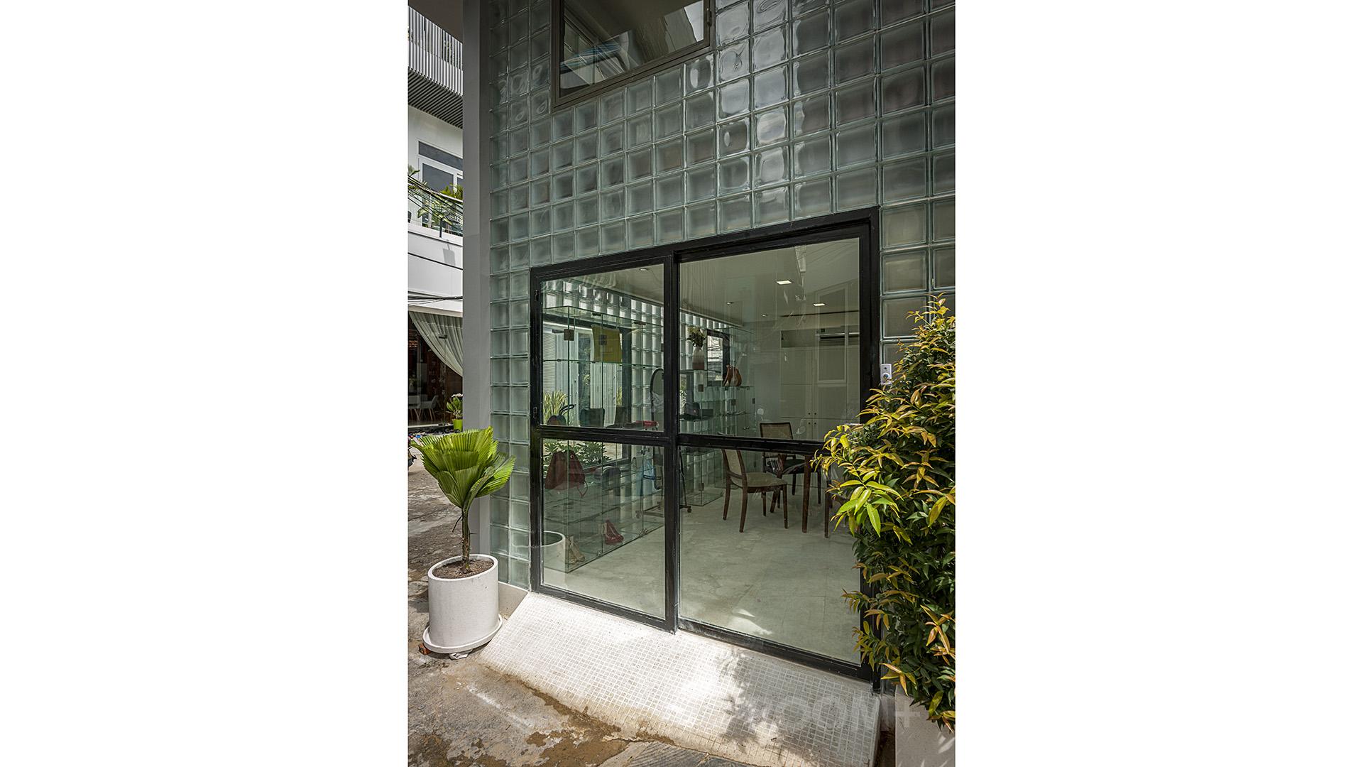 Glassblock Space (4)