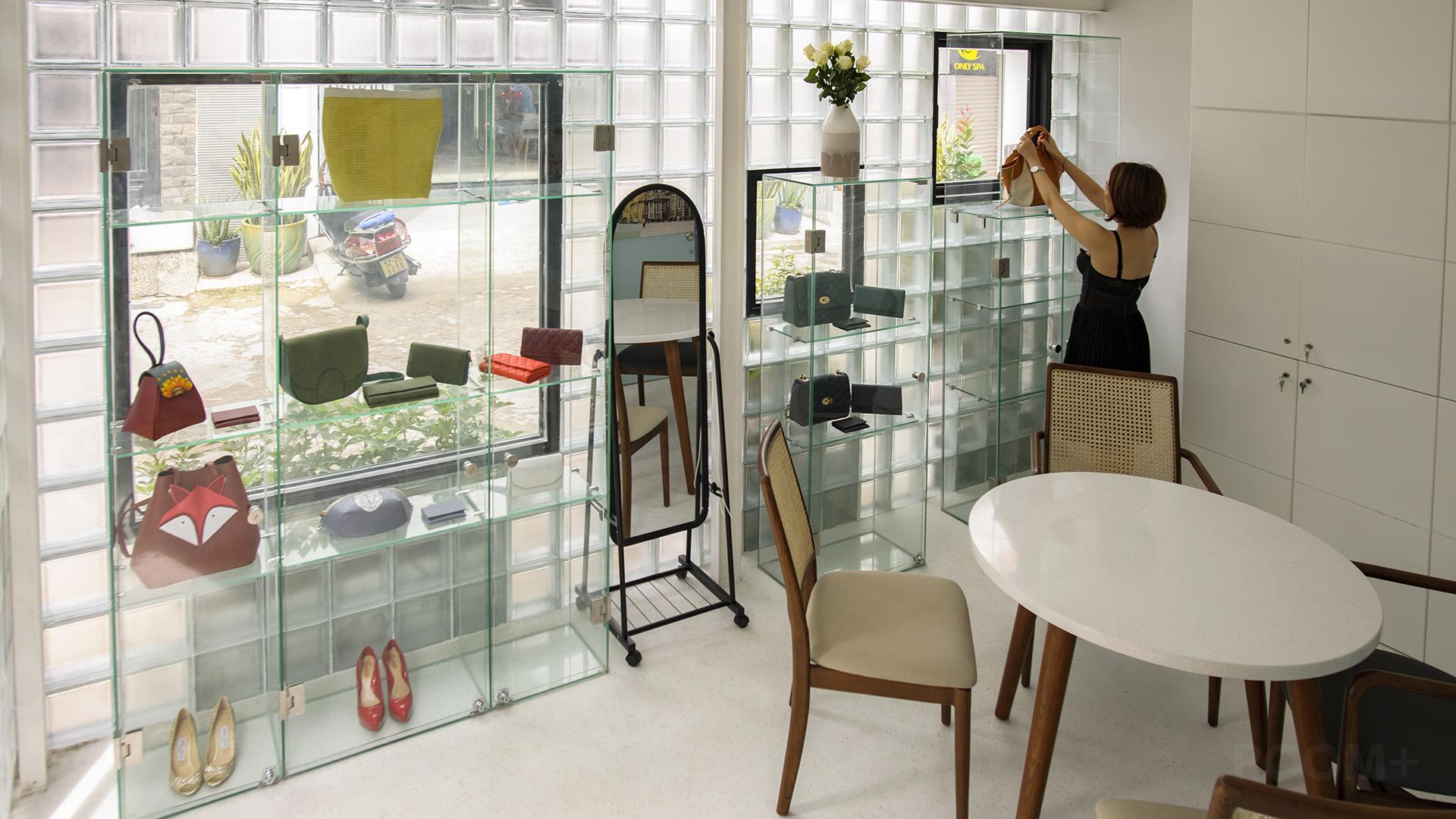 Glassblock Space (5)