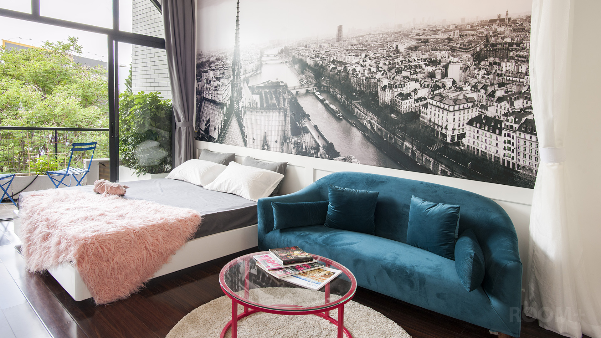 Parisian Apartment (8)