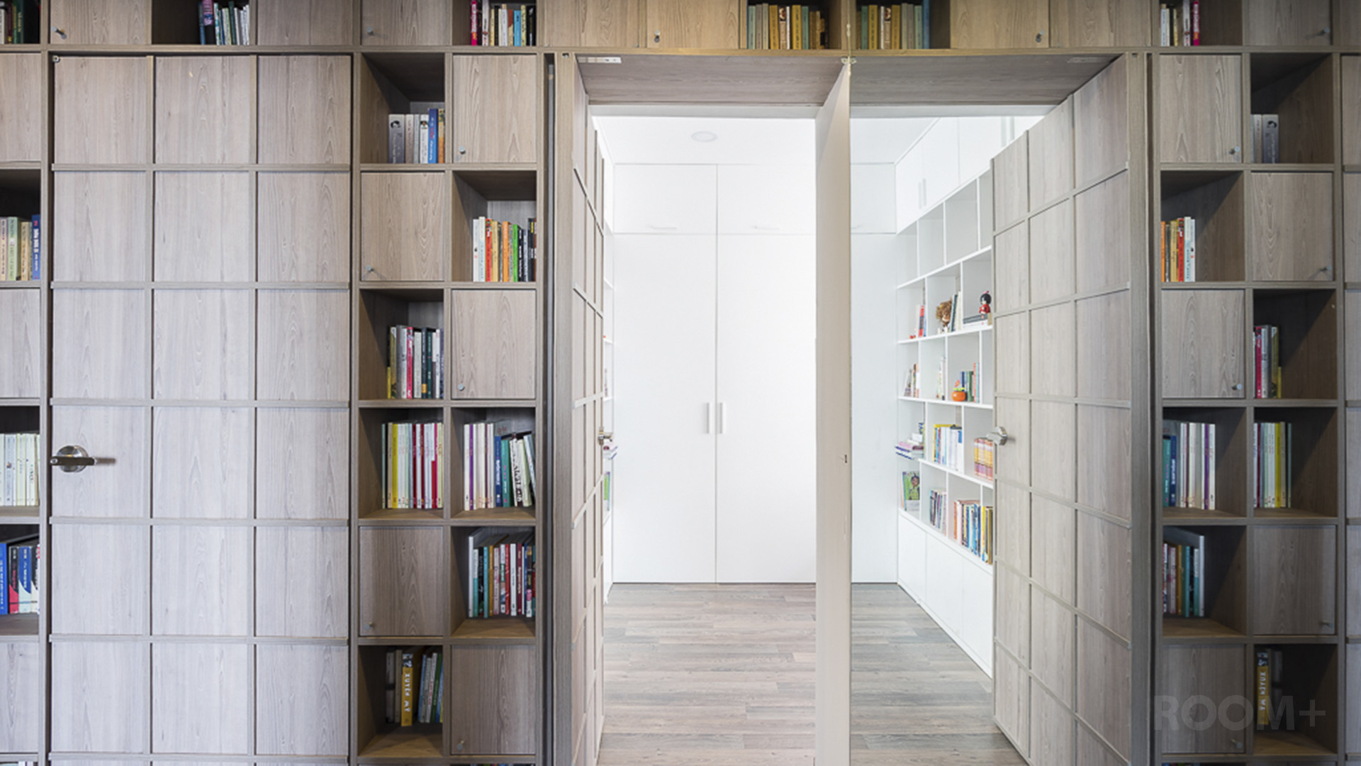 ROOM+ Book-House Apartment