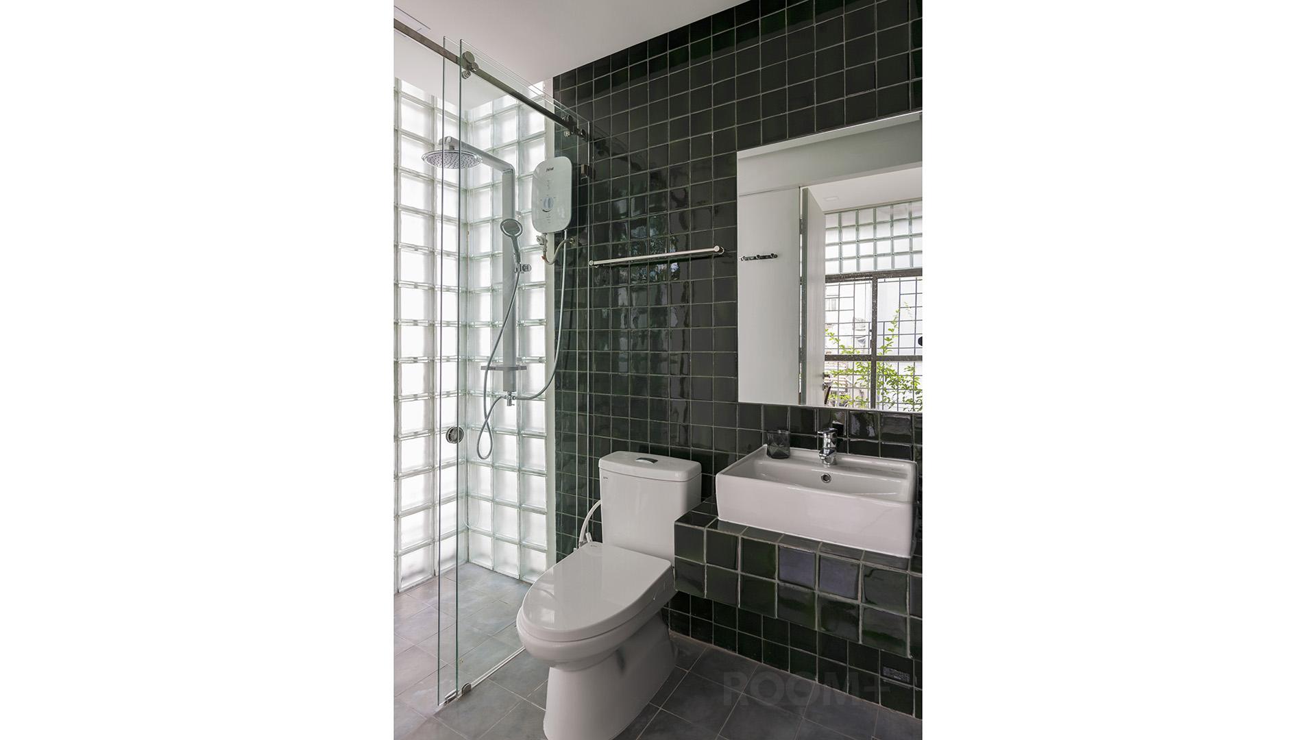 Phòng tắm đẹp - Nhà gạch kính - ROOM+ (1)