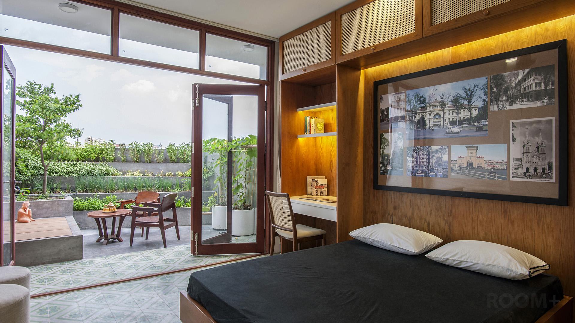 Saigon Terrace (2)