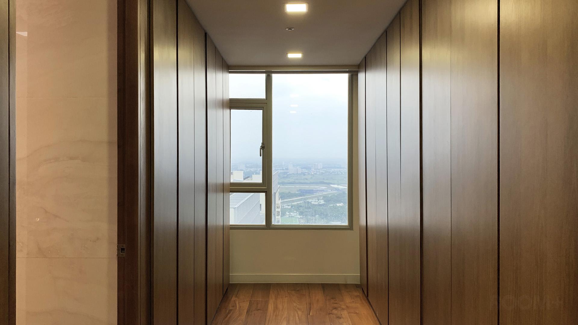 Wood & Stone Penthouse 7