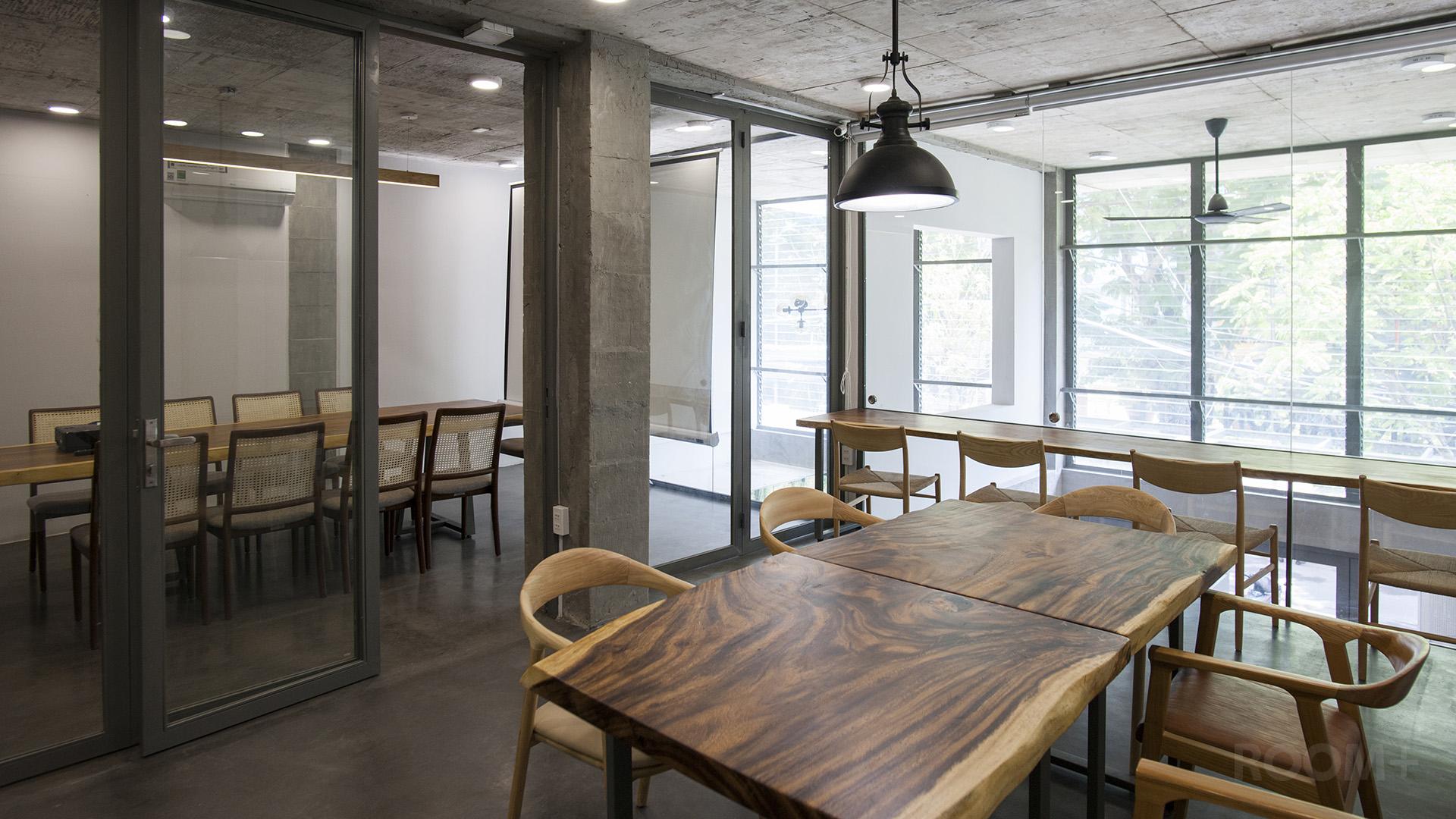 WorkinSaigon Cafe (6)